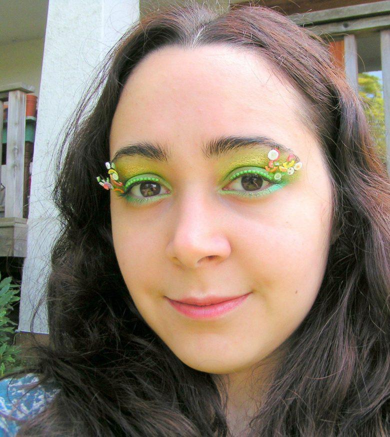 Natalie RussoさんのSalad Days Eyelash Jewelry