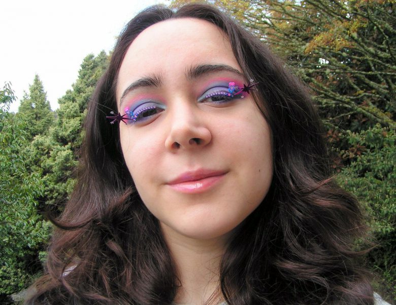 Natalie RussoさんのTwilight Sparkle Eyelash Jewelry