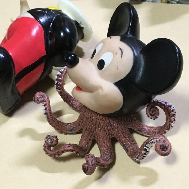 メルカリに出品された『ジャンク品 ミッキーマウス 貯金箱』がシュール(笑)