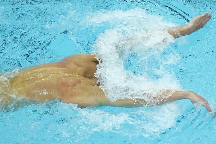 2008北京オリンピック水泳で顔のない選手が撮影される(笑)