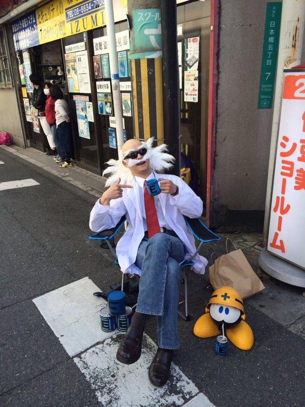 【おもしろコスプレ画像】日本橋ストリートフェスタ2016にいたロックマンのDr.ワイリーコスプレ(笑)
