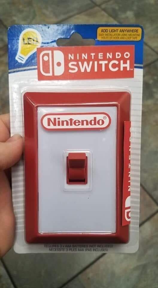 お父さんが買ったクリスマスプレゼントの「Nintendo Switch」がなんか違う(笑)