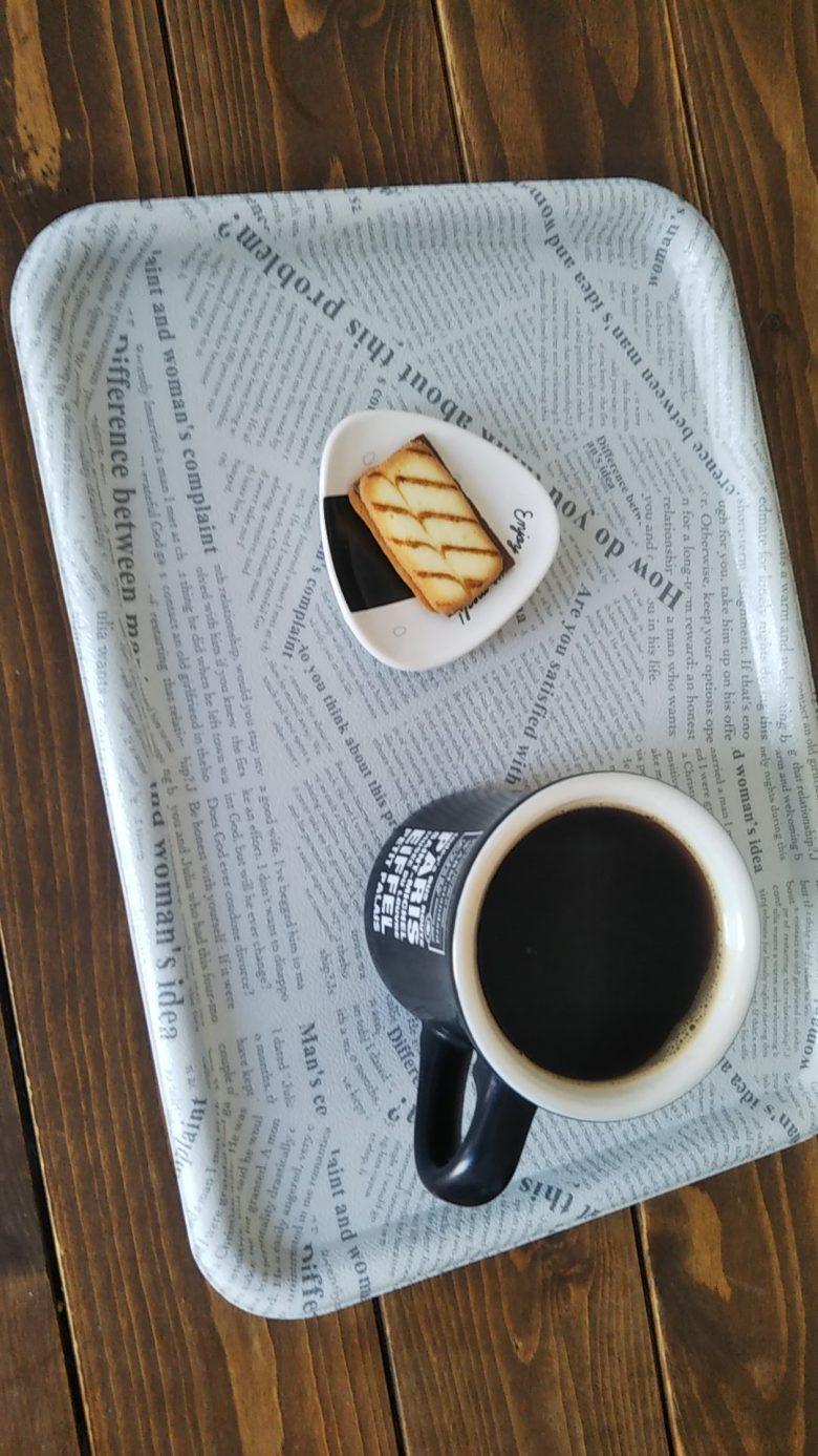 【コロナ禍の自宅奥さんカフェおもしろ画像】新型コロナでの収入減対策のために奥さんが開いたおもしろいカフェ(笑)