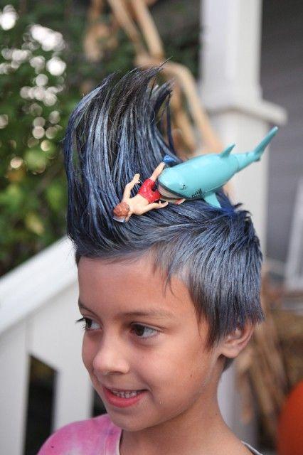 ダイバーがサメに襲われるおもしろいヘアスタイル(笑)