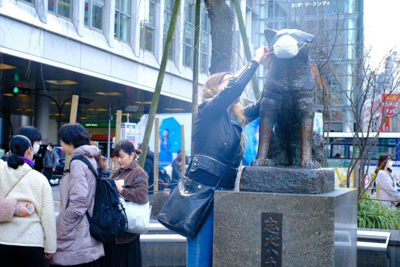 【コロナ禍の渋谷ハチ公マスクおもしろ画像】渋谷のハチ公も新型コロナウイルス対策でマスク姿に(笑)