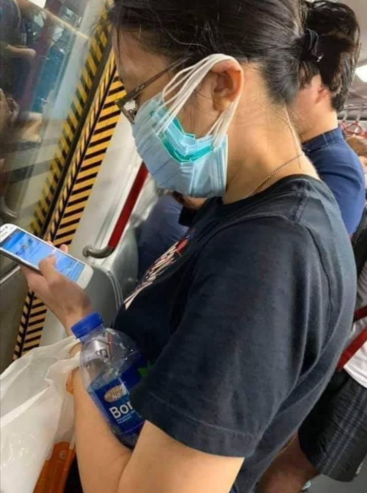 【コロナ感染予防マスクおもしろ画像】新型コロナウイルス感染予防のために贅沢にマスクを使う人(笑)