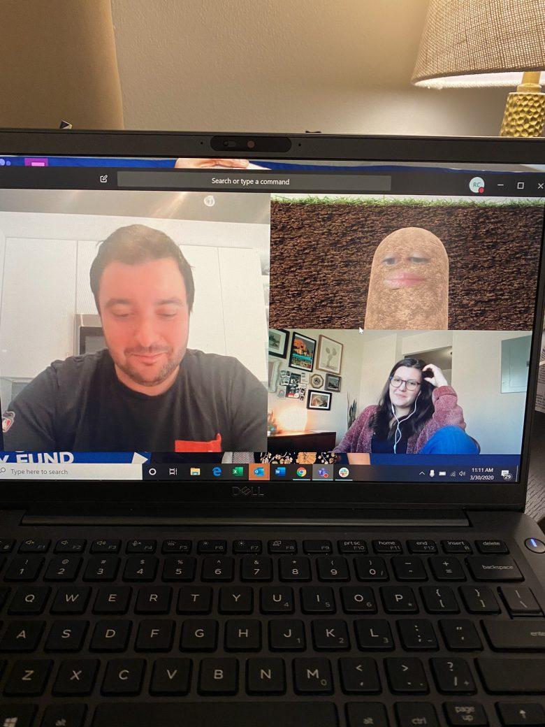 【テレワークWeb会議おもしろ画像】Web会議でポテトになった上司、直し方が分からずそのまま続行(笑)