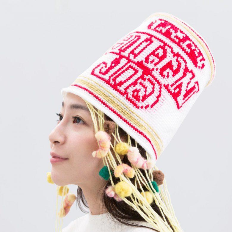 【おもしろ帽子画像】インパクト抜群な日清カップヌードル帽子(笑)
