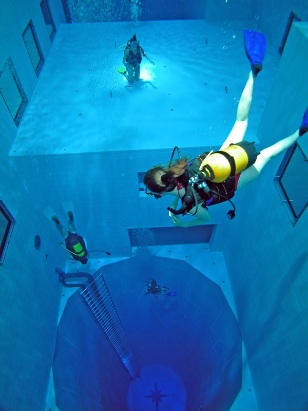 【プールNemo 33おもしろ画像】ベルギーのプール「Nemo 33」が深さがすごくて鳥肌が立つ(笑)