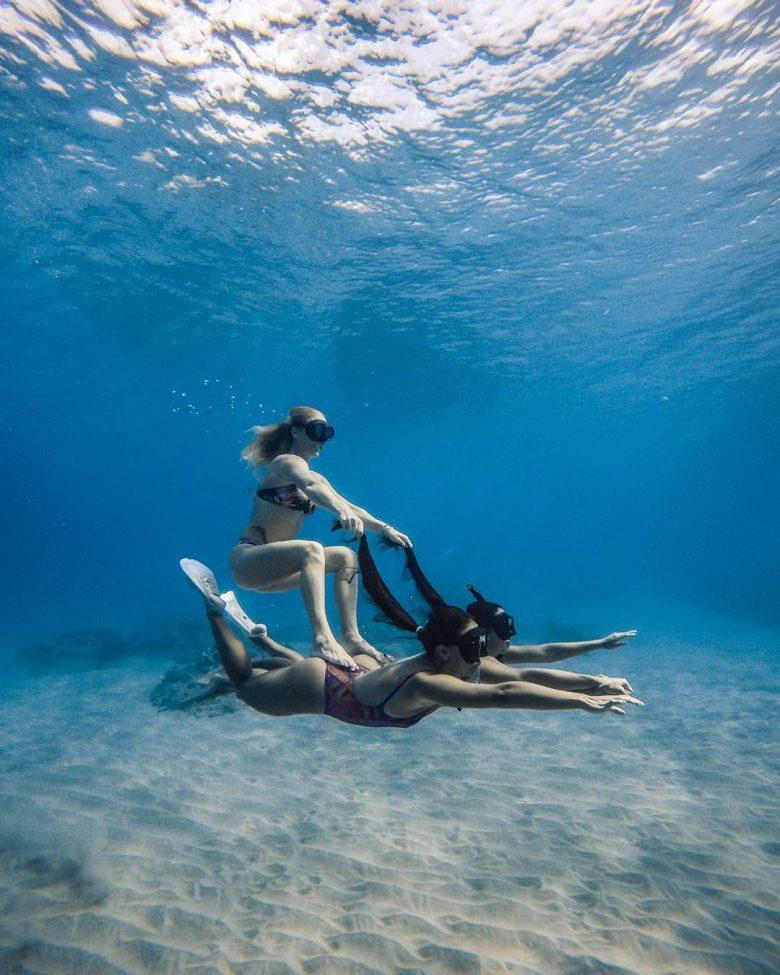 【海おもしろ画像】人力の水中ジェットが楽しそう(笑)