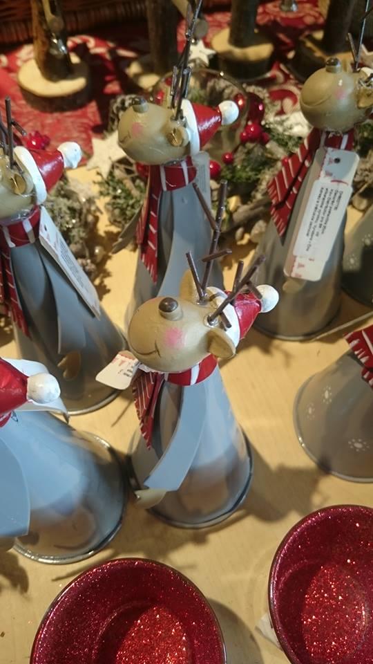 【クリスマスオブジェおもしろ画像】クリスマスのひどすぎるトナカイオブジェ(笑)
