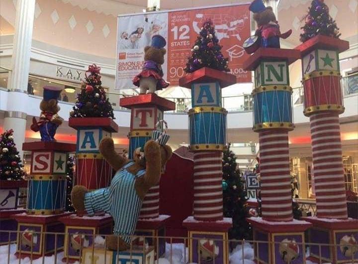 【クリスマスおもしろ画像】ショッピングモールの間違ったクリスマスデコレーション(笑)