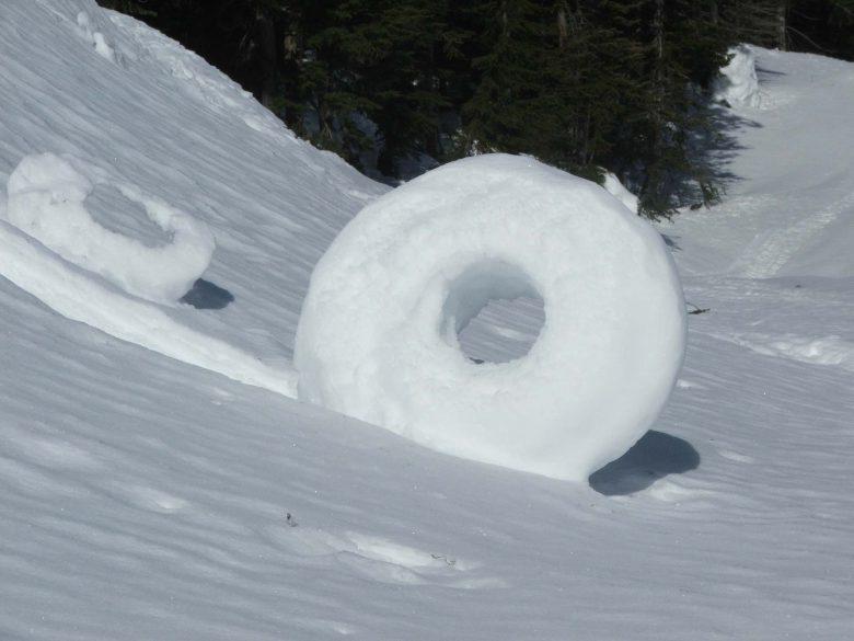 【スノードーナツおもしろ画像】滅多に見られない自然現象「スノードーナツ」がすごい(笑)