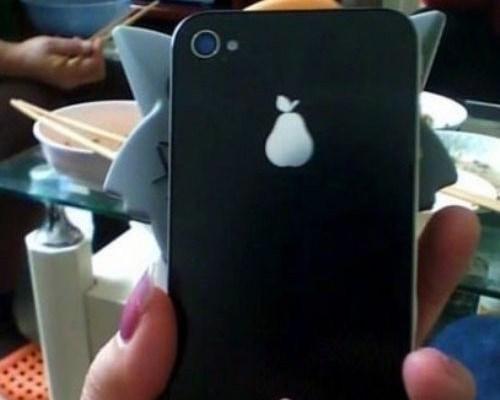 りんごじゃなく洋梨マークの中国iPhoneパクり(笑)