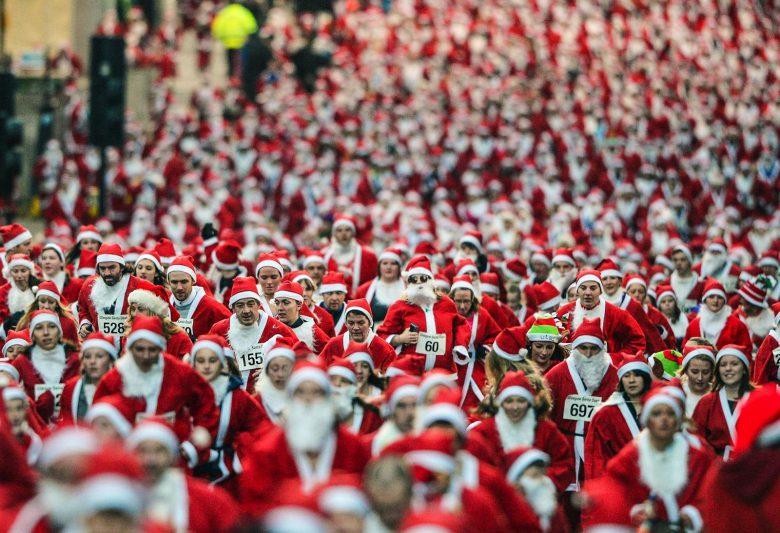 【サンタクロースおもしろ画像】多くのサンタが走る『サンタラン』の光景がすごい(笑)