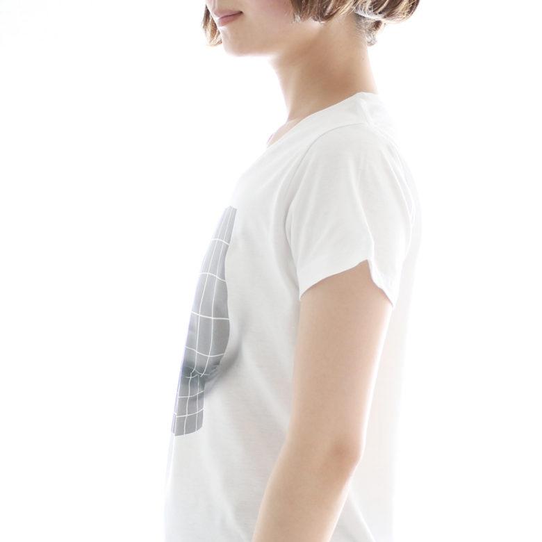 着るだけで胸が大きく見える「妄想マッピングTシャツ」(笑)