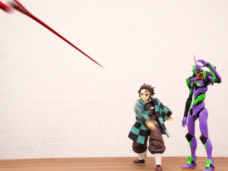 【鬼滅の刃フィギュアおもしろ画像】EVA初号機にそそのかされてロンギヌスの槍を投げる炭治郎(笑)