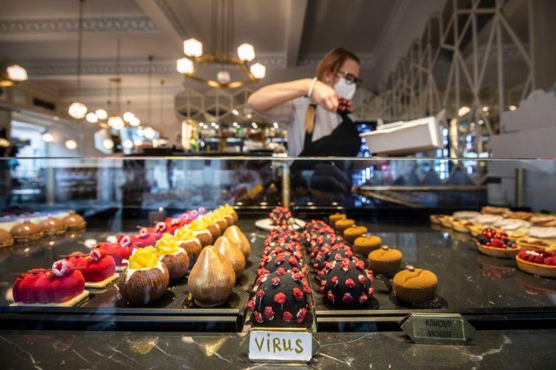 【コロナウイルスケーキおもしろ画像】コロナウイルスの形をしたデザートを提供するプラハの喫茶店(笑)