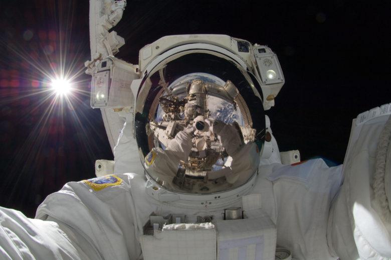 【自撮りおもしろ画像】宇宙飛行士のすごすぎる自撮り(笑)