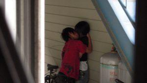 こっそり! 隠れてアレするいまどきの小中学生の恋愛事情にびっくり(笑)
